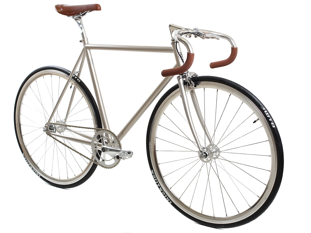 blb-city-classic-complete-bike-champagne angled – Kopie
