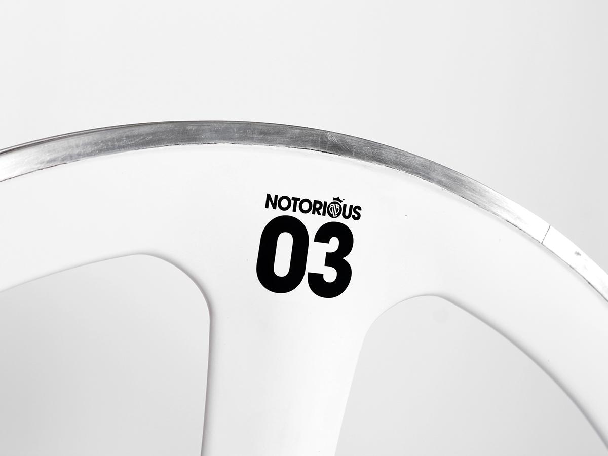 0016910_blb-notorious-03-carbonalloy-front-wheel-white